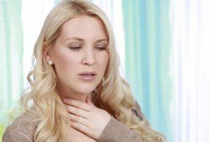 8 remédios home para secreções na garganta