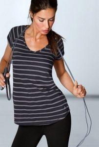 Adriana Lima a perder peso pulando corda