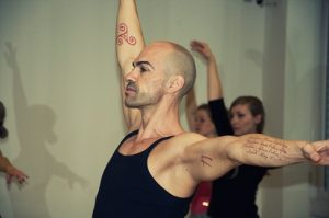 PortDeBras, o esporte que combina ballet com yoga
